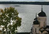 Озеро у стен Кирилловского монастыря