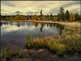 Стоят деревья поменяв наряд, Прохладцей озеро блестит... И очищающий верша обряд, Осенний блюз в душе звучит... -------------------------------- Осенний пейзаж. Бурятия.