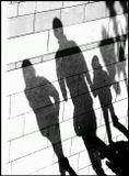 тени люди