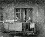 дождь балкон женщины