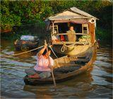 Продолжение серии о жизни камбоджийцев в домах на сваях на озере Тонлесап (см.: http://www.lensart.ru/album-uid-5e-aid-503c-sh-1.htm).