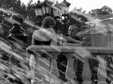 фонтан на Манежной, разговор пары...