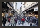 ...ни днем, ни ночью. Вечная толпа туристов движется по знаменитому флорентийскому мосту Понте Веккио.PS Друзья, на неделю улетаю в родную Прагу. Вернусь обязательно отвечу на все замечания и непременно просмотрю все ваши работы.