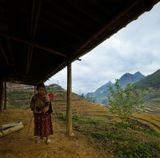 Северный Вьетнам.Бак Ха.Здесь живут Хмонги, но не черные,как в Сапе, а цветные...или цветочные (flower)