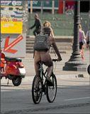 Такое можно наверное увидеть только в Барселоне :)