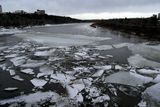 Река Северный Саскачеван в середине апреля