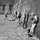 Петербург, около стены Петропавловской крепости, апрель 2011 года