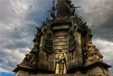 Фрагмент памятника Христофору Колумбу, который находится на набережной Барселоны.Монумент был заложен в сентябре 1882 г. и открыт в 1888 г. к Всемирной выставке, проходившей в тот год в Барселоне. Памятник построен по проекту архитектора Gaietа Buigas.Колумб вернулся в 1493 г. из своего первого плавания (всего экспедиций было четыре) в Барселону для доклада королевской чете, Фердинанду и Изабелле. Тогда он был уверен, что открыл Индию, хотя в действительности открыл острова (Большие и Малые Антильские острова, а также о.Тринидад и ряд мелких островов)