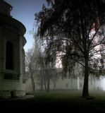 Рязанский кремль в густом тумане.