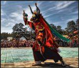 Мистерия Цам - это буддийский обряд, который проводится в четком соответствии с канононами, с древних времен в Тибете, Монголии, Бурятии и Калмыкии. Множество различных персонажей в нарядных и, порой устрашающих, масках исполняют ритуальные танцы, являясь проводниками между миром людским и миром божеств. ---------------------Улан-Удэнский дацан Хамбын-Хурэ. Бурятия.