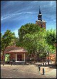 Iglesia De San Salvador, одно из самых людных мест городка Leganes. 15.40 это всё ещё время сиесты, когда на улице жуткая жарища и ни души. Правильно, лучше сидеть дома под кондиционером со стаканчиком чего-нить прохладительного :)