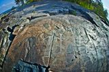 """Петроглиф """"Бес"""", расположен на Бесовом носе в Онежском озере. Возраст около 5000 лет"""