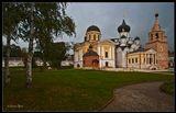 Старицкий Свято-Успенский монастырь. Расположен в городе Старице на реке Волга выше устья реки Верхней Старицы.
