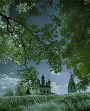 Инфракрасная цветная съемка. Кто еще не видел статьи и интересуется: http://photo-element.ru/ps/color_infrared/color_infrared.html