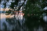 На закате  озеро прозрачное как стекло и вода теплая, от чего ж не искупаться  :) Снимала со штатива с максимальной глубины - понравилось :))
