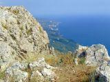 По этим местам в 1820 году прошел Пушкин, поднявшись на Байдарскую яйлу по Чертовой лестнице                                                                          Крым, горы, море, осень