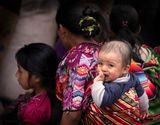 В Гватемале 60% населения - коренные индейцы, потомки майя. Законы и традиции легендарных предков сильны до сих пор.