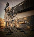 Эта скульптура стоит около центральной библиотеки г. Мюнстера.