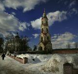 Николо-Берлюковский монастырь — монастырь на окраине села Авдотьино, на реке Воря, в 42 километрах к северо-востоку от Москвы, на территории Ногинского района с самой высокой колокольней Московской области.