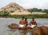 Индия.Штат Карнатока.Хампи.На берегу реки Тунгабхадры