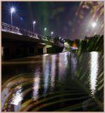 ISO100,  F8,  4 или 5 сек. Ночь, луна и легкий ветерок. Фонари на мосту.