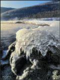 Ледяные кудри на прибрежных камнях Байкала. Январь месяц.
