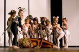 """Сцена из спектакля """"Волшебник изумрудного города"""" балетной школы""""Die Ballettschule Orosz"""".Генеральная репетиция."""
