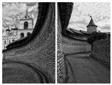 """Прорвавшись через ворота враг оказывался в ловушке, которую псковичи называли захаб. Слово """"захаб"""" происходит от древне-русского """"охабень"""", что означает – """"рукав"""". И действительно, этот длинный узкий коридор напоминает рукав. На выходе из этого коридора были сооружены еще одни ворота, довольно прочные и надежные. Но до них вряд ли кому из врагов удавалось дойти, так как пространство здесь перегораживалось опускными решетками - герсами. Запустив неприятеля в ловушку, псковичи поднимали мост на металлических цепях, а на головы врага бросали бревна и камни, лили кипяток и кипящую смолу."""