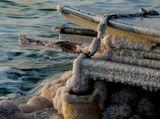 Берег Мертвого моря. Вросшая в солевые кристаллы, как в лед, лодка... Снято во время велопохода по Израилю, март 2012. 10 км от заповедника Эйн-ГедиИзраиль Мертвое море
