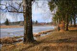 Весна. Сегодня. Снег сошёл, только спокойные водоёмы покрыты льдом.