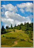 По пути из Венгрии домой заехали в пос. Славское, известный горой Тростяна, и не удержался сделать снимки этих красивых мест :) Эта фотография сделана на высоте около 400 м над уровнем моря, с поляриком.