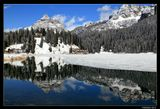 *  *  *Италия. Доломиты ди Сесто. Ледниковое озеро Мизурина.*  *  *