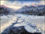 Морозное январское утро в Тункинской долине. Бурятия.