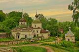 построена в 1750 году на торговой площади городища. кроме редких туристов никому не нужна и медленно разрушается такая красота