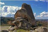 Восточный Казахстан, близ Сибинских озер…Высота большого камешка – около 10 метров. А лежит он на высоте 958 метров.