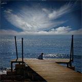 """У моего любимого художника Эндрю Уайета есть удивительно проникновенная работа """"Мир Кристины"""". Он показал жизнь девушки -инвалида, со своим внутренним миром и удивительной любовью к жизни.http://www.artlex.com/ArtLex/r/images/wyeth.christina.lg.jpg И вот ,в этом году, гуляя по кипрскому берегу я увидел эту картину на яву... женщина-инвалид сидела на берегу и любовалась красотой моря . Жизнь, ты как легкое перышко."""