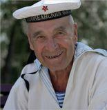 Как в любом месте бывшего СССР, в сухопутном Харькове вчера тоже праздновали День Военно-морского флота. Встретились бывшие моряки разных поколений, разных флотов, разных корабельных специальностей. Присутствовал на нем и я, так как отслужил 2,5 года на боевом корабле Северного флота. На снимке самый старый участник праздника, уволившийся с ВМФ еще в далеком 1962м году.