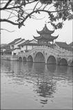Китай, Сучжоу. Город более известен своими садами, в прошлом являлся одним из крупнейших производителей шелка, который перевозили по Великому Китайскому Каналу.
