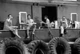 Ланч в грузовом порту Гонконга.