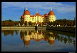 *  * *Отсняв со всех сторон несколько десятков кадров этого замка, поймал себя на мысли об удивительной соразмерности его башен и невероятной гармонии замка с окружающей природой ...*  *  *Замок Морицбург, построен в середине 16 века, перестроен в 18-ом под руководством архитектора M.Пёппельмана, прославившегося созданием барочного облика Дрездена. Первоначально служил загородным домом князю Морицу Саксонскому для отдыха после охоты.
