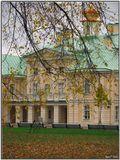 Дворец после реставрации. Интерьеры можно осмотреть с экскурсией. Внутри фотосъемка запрещена.