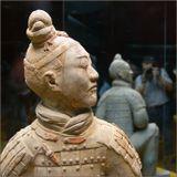 Лучник терракотовой армии первого китайского императора Цинь Шихуанди. Из 6 тысяч раскопанных на сегодня глиняных фигур воинов нет двух одинаковых лиц. Исторический музей. Очень рекомендую взять посетить и взять с собой камеру. Разрешение на съемку стоит всего 80 рублей.