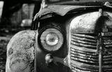 Москвич-400 — советский легковой автомобиль малого литража, выпускавшийся на Заводе малолитражных автомобилей в Москве ЗМА с 1946 по 1954 год.Изначально являлся полным аналогом автомобиля Opel Kadett K38(1937—1940) выпускавшегося в Германии на немецком филиале Opel американского концерна General Motors воссозданным после войны на основе репарационных экземпляровСколько он видел, сколько может поведать, а его судьбе можно только посочувствовать.