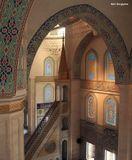Центральная мечеть Анкары. Пускают далеко не всех. Из меня сделали Алёнушку (надели платок) и таки пустили.  Разрешили даже забраться на третий этаж.