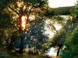 Берег реки, закат, решила поймать солнце.
