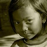 Такое взрослое детство... Девочка из Ангкора (Камбоджа)