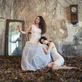 модели - Ольга Шиманская и Карина