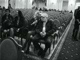 . Армен Борисович Джигарханянв большом залеМосковской Государственной Консерваторииво время антракта4 апреля 2013