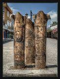 три интересных столба с надписями на разных языках неподалеку от церкви Николая Чудотворца в Демре(в древности известном как Мира)