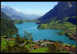 """* * *""""Я наслаждаюсь Швейцариею, милые друзья мои! Всякое дуновение ветерка проницает, кажется, в сердце мое и развевает в нем чувство радости. Какие места !"""" Н. Карамзин """"Письма русского путешественника""""*  *  *Горное озеро Лунгерер, кантон Обвальден, центральная Швейцария."""